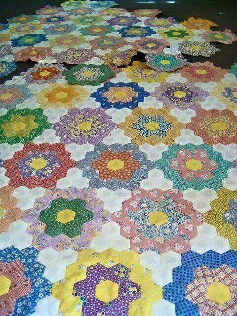 960 best images about hexagon quilt on Pinterest Grandmothers, Hillbilly and Hexagons