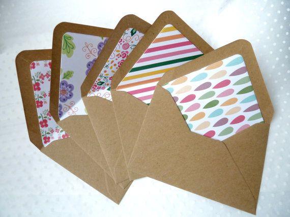Paquete de 10 forrado reciclado kraft mini C7 sobres pequeño eco rústico boda regalo tarjeta caja invitación sobres