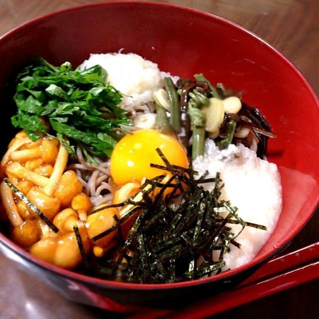 暑くて食欲も微妙なのでツルツルっといける様にとろろやなめこでネバネバに✨ - 35件のもぐもぐ - 山菜なめこおろし蕎麦✨ by tsutsui72