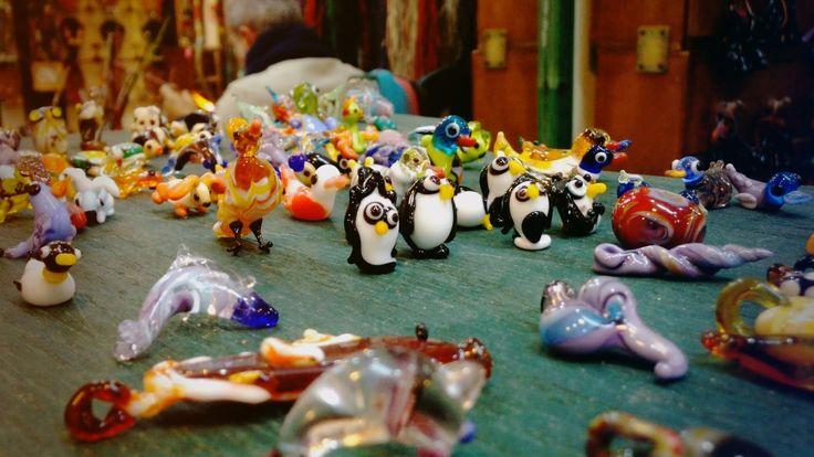 În Roma: Cum se confecţionează obiectele din sticlă