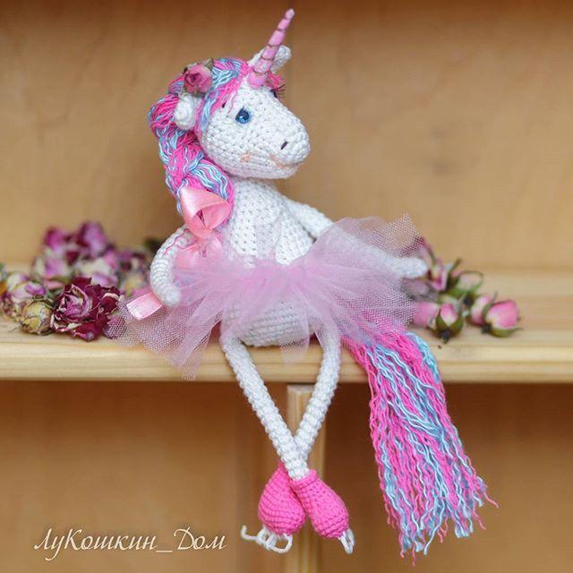 Глаша - радость наша  Катается на коньках и очень любит все розовое  Связана в подарок ____ #weamiguru #amigurumi #artisanland #вязание #крючком #crochet #knitting #knit #handmade #newyear #игрушка #новыйгод #рукоделие #хендмейд #вязаниекрючком #амигуруми #toys_gallery #вяжутнетолькобабушки #handmadeall #my_good_gallery #mysolutionforlife #ручнаяработа #рукоделие #Лукошкин_дом #единорог #unicorn