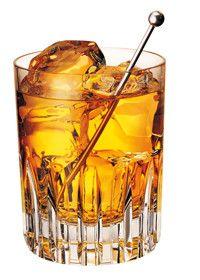 De Rusty Nail. Na de Whisky Sour weer zo'n heerlijke whisky-cocktail welke je heel gemakkelijk thuis kunt maken zonder gedoe of gegoochel met allerlei ingrediënten... De Rusty Nail is eigenlijk nie...