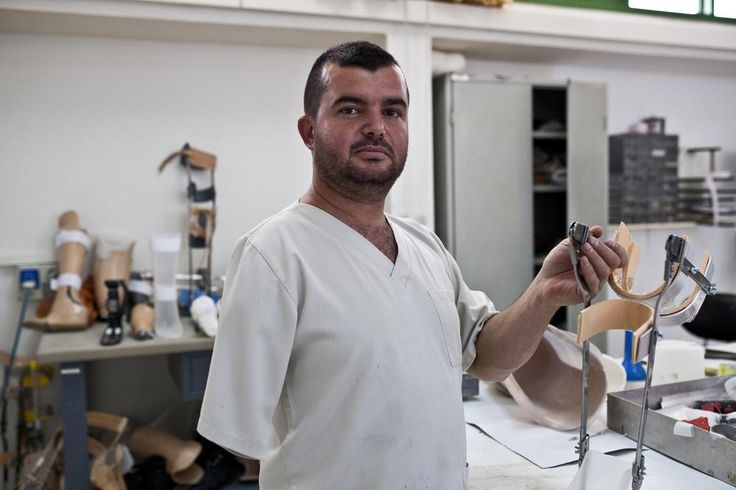 In Pictures: Lebanon's land mine survivors - In Pictures - Al Jazeera English
