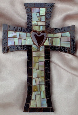 another mosaic cross just beautiful  from Mary's Musings  http://www.marymakingdesigns.com/
