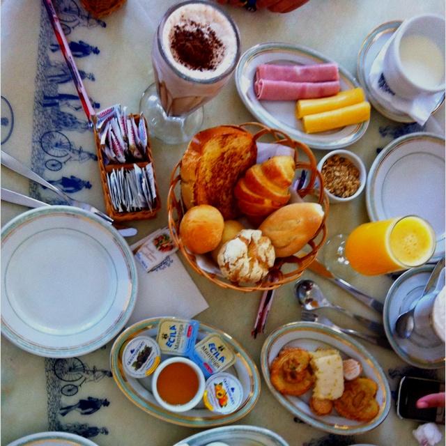 Breakfast at Confeitaria Colombo - RJ - Brasil