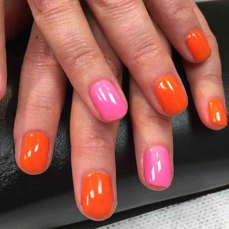 Snygga orange och rosa naglar - särskilt den rosa färgen!
