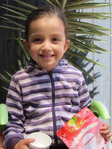 Jess loves Rafferty's Garden Yoghurt Buttons in Strawberry    www.raffertysgarden.com    #RaffertysGarden #YoghurtButtons