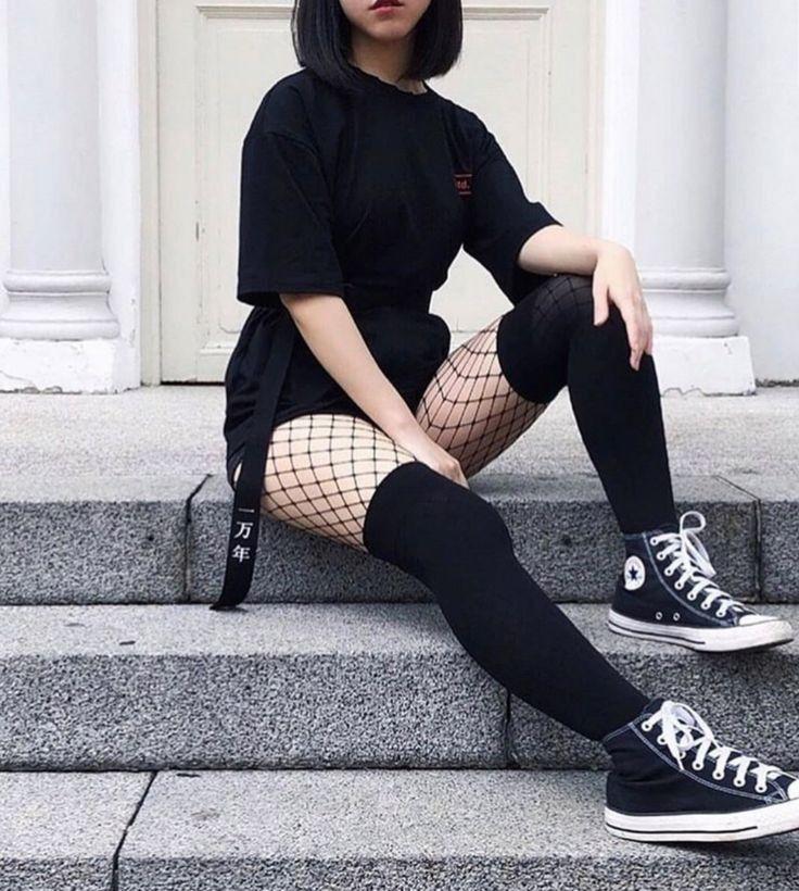 ➵➵➵➵➵➵➵➵➵➵➵➵➵➵➵➵➵➵➵  Material Gráfico para tus historias  ➵➵➵➵➵➵➵➵➵➵➵… #detodo # De Todo # amreading # books # wattpad Egirl Fashion, Teen Fashion Outfits, Edgy Outfits, Grunge Outfits, Cute Casual Outfits, Pretty Outfits, Korean Fashion, Jeans Fashion, Fashion Lookbook