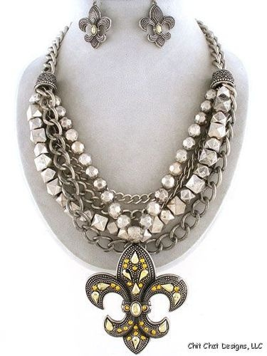 Chunky Fleur De Lis Layered Necklace Set