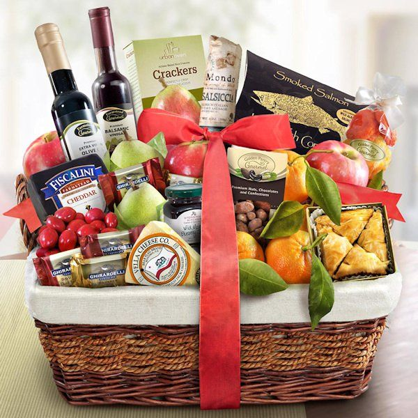 Deluxe Farmstead Christmas Fruit Gift Basket | Buy at All About Gifts & Baskets (https://www.aagiftsandbaskets.com/products/deluxe-farmstead-fruit-basket-GSS-17581/
