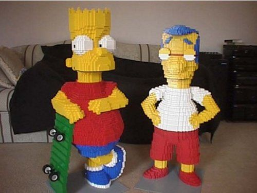 17 geek Lego statues - SlipperyBrick.com
