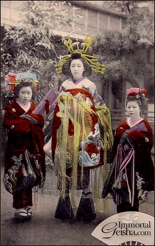 Oiran of Shin-Yoshiwara (by Naomi no Kimono Asobi) (colored in version)