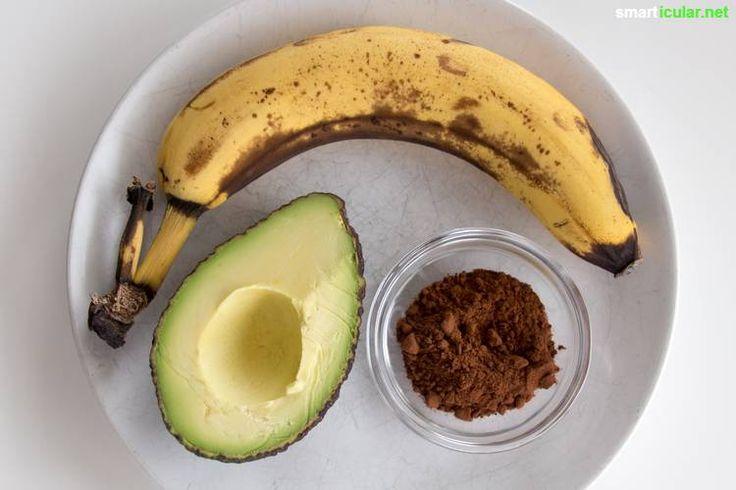 Gesund und lecker statt Kalorienbombe! Mit diesem Rezept zauberst du aus nur drei Zutaten eine locker leichte Schoko-Creme als Brotaufstrich oder Dessert.