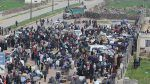 Evakuasi berlangsung di 4 distrik di Suriah  MADAYA (Arrahmah.com)  Proses evakuasi ribuan warga sipil dan pejuang dari bagian yang terkepung di Suriah sejalan dengan kesepakatan awal antara rezim Bashar Asad dan pasukan oposisi sedang berlangsung.  Perjanjian yang disepakati antara kedua pihak pada 30 Maret silam menyeru evakuasi warga sipil dari empat distrik yang terkepung: Madaya Al-Zabadani Kefraya dan Al-Fuaa.  Madaya dan Al-Zadabani yang terletak di sekitar 40 kilometer barat laut…