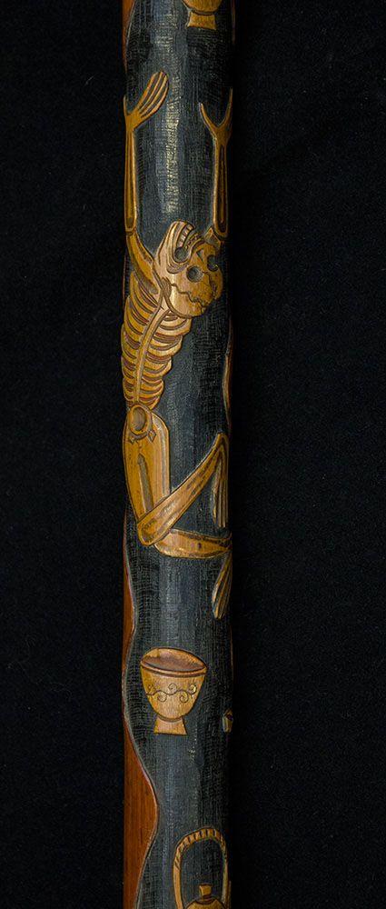 Bengala Japonesa de madeira de bambu esculpida com motivos de esqueletos. - Galeria de Arte e Antiguidades Lisboa - Arte asiática, arte islâmica, arte colonial Português, Armas antigas - Marcos & Marcos