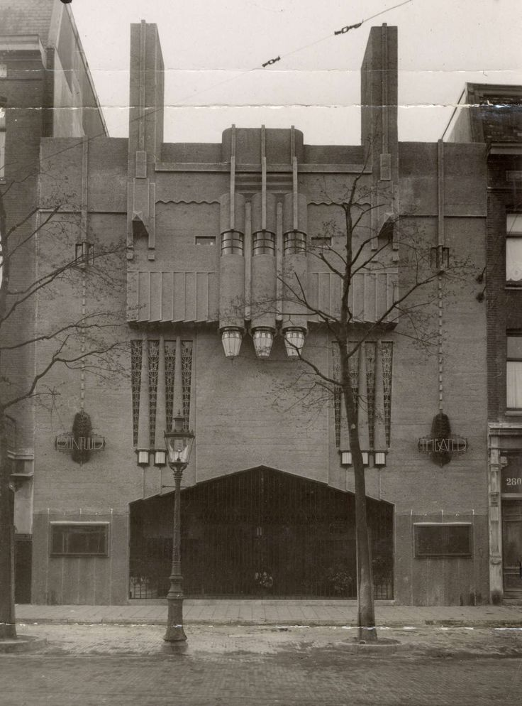 De Art-Deco gevel van het Ceintuur Theater 1921