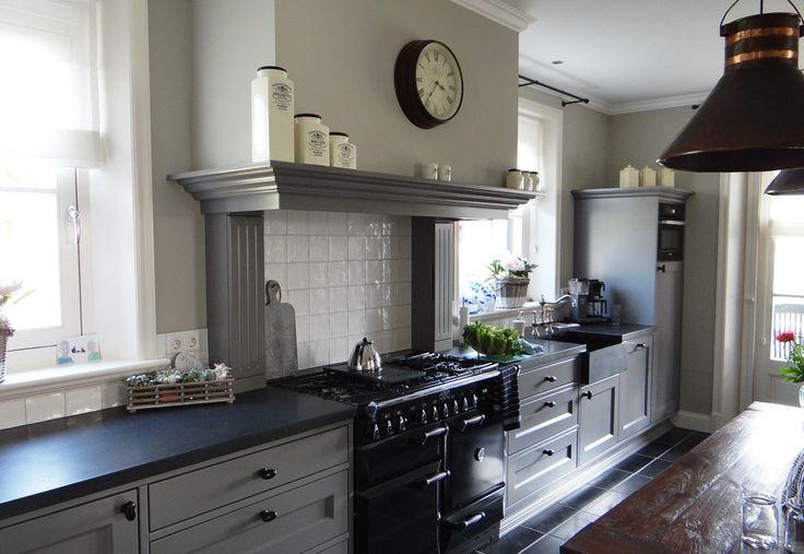Oude landelijke keuken afzuigkap google zoeken keuken schouw pinterest met - Oude stijl keuken wastafel ...