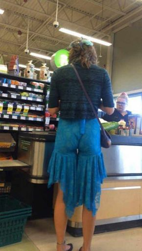 #walmart #walmarthumor #wtf #epicfail The 30 Worst Fashion Fails That Will Make You Cringe So Hard -04