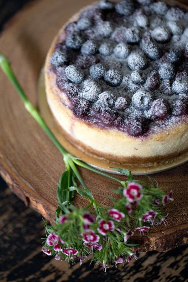 Luscious blueberry cheesecake for a wedding dessert table! Click for more jewel-toned woodland inspiration.