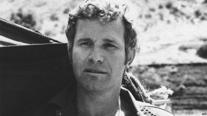 Wayne Rogers as Trapper John McIntyre - Mash star Wayne Rogers dies aged 82