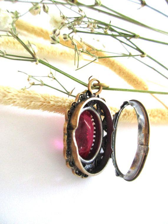 Vintage Red Pendant. Brass Secret Box Pendant. Red Filigree Locket. Red Pendant Necklace.  Brass Filigree  Pendant