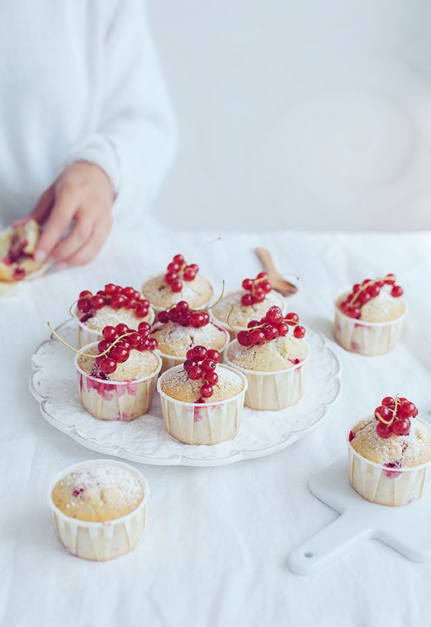 Red currant poppy seed muffins