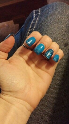 Pretty neon blue powder with blue powder glitter accenting