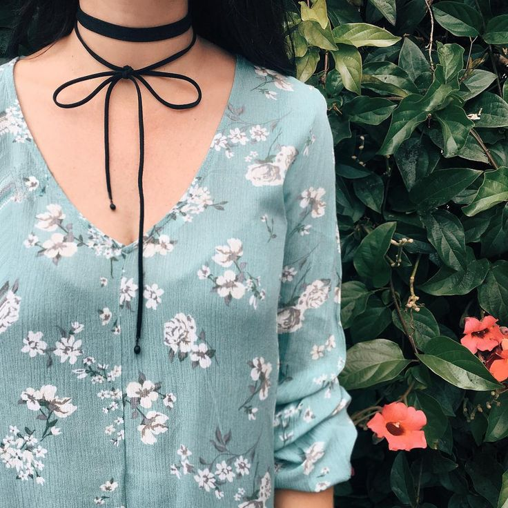 And the winning #ootd is... Our mint floral shirt, black shorts and choker! Shop the top online  14209296  #ardenerocks #outsidelands #ardenelove