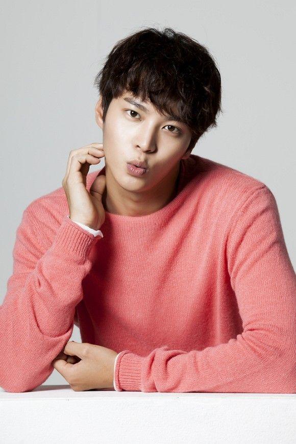 【終了しました】チュウォン直筆サイン色紙&「7級公務員」プレスシートを合計4名様に!Twitterをフォロー&RT - ENTERTAINMENT - 韓流・韓国芸能ニュースはKstyle