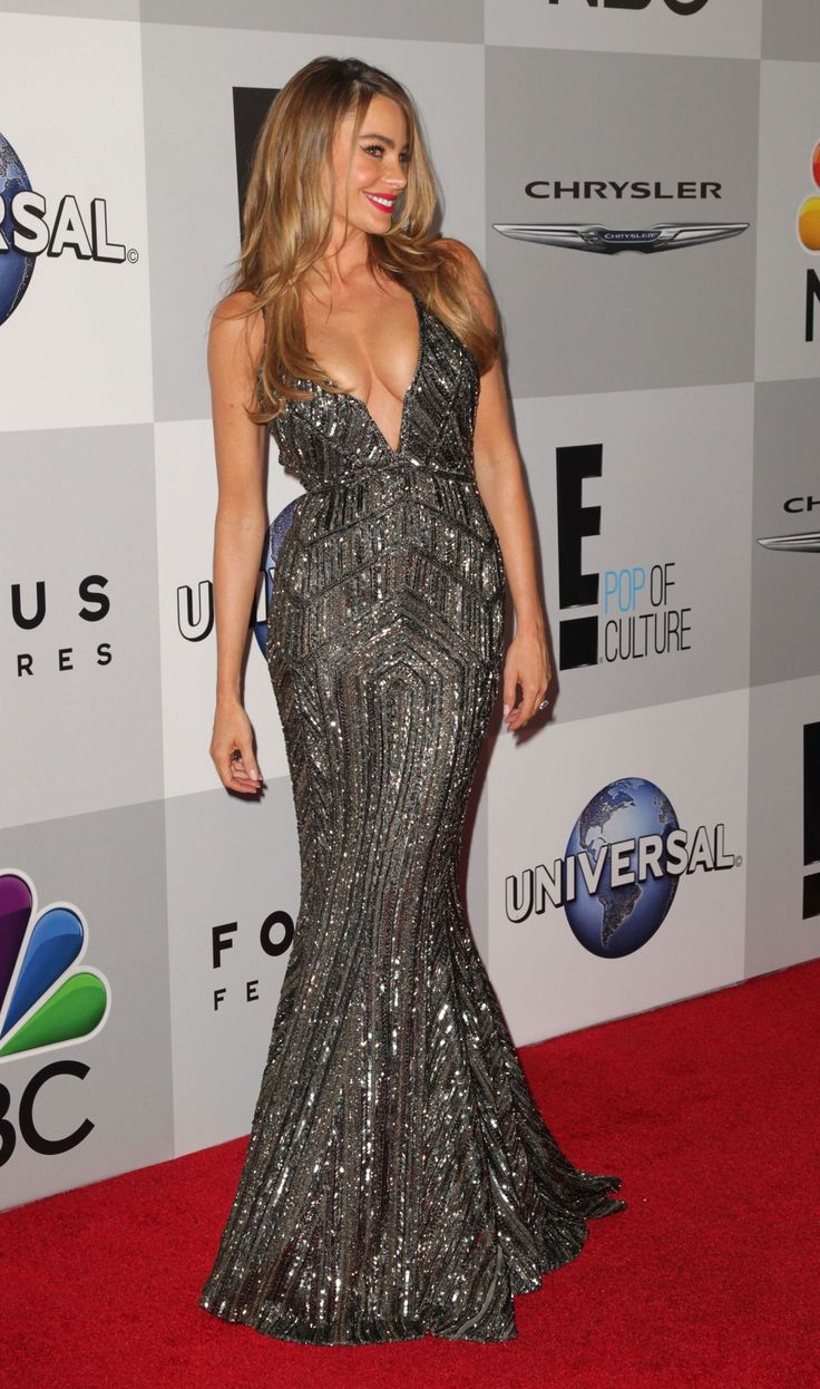 sofia-vergara-wears-zuhair-murad-at-nbc-universal-s-71st-annual-golden-globe-awards-after-party_1.jpg (1280×2168)
