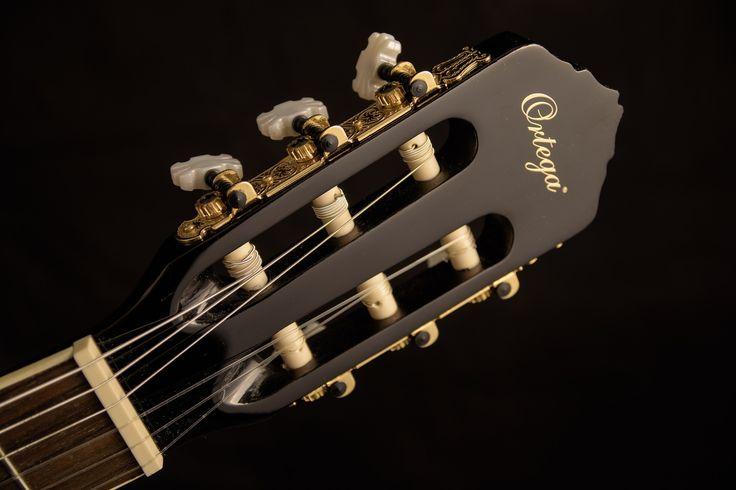 CORSO PRÁTICO DE VIOLÃO.Olá.pensando nas pessoas que desejam aprender tocar violão e acham difícil,eu criei um blog onde ensino de maneira muito fácil as pessoas a tocarem violão.O curso online de violão,foi pensado de uma forma que todos pudessem entender e realmente tocar o seu violão. Acesse aqui http://joseconceicao.com  te espero lá no blog.