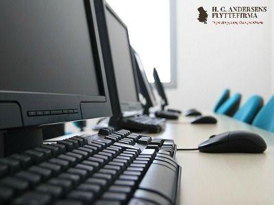 Flyttetip for virksomheder: Bak altid computere mv. op inden I flytter i nye kontorlokaler. På denne måde undgår I at miste vigtig data hvis en computer bliver beskadiget under flyttetransporten, løftning eller lignende. Sørg også for at bruge et flyttefirma med en god forsikring hvis uheldet skulle være ude.