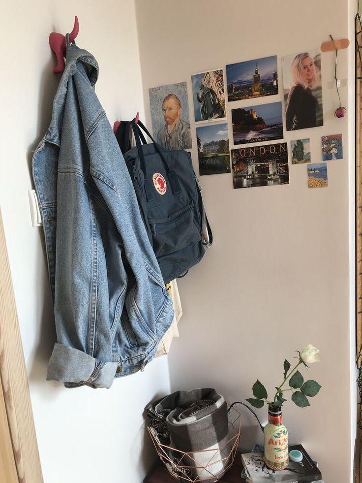 Aesthetic Dorm Room: ┆𝘉𝘭𝘢𝘥𝘦𝘧𝘳𝘰𝘮𝘴𝘱𝘢𝘤𝘦