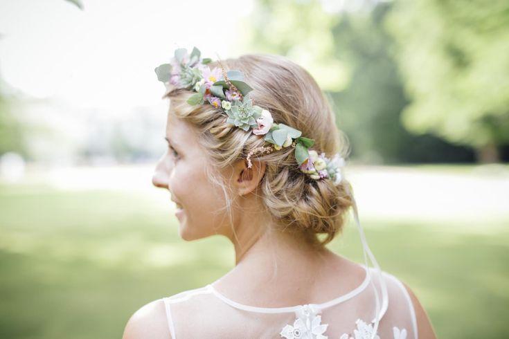 Tolles Hochzeits Make-up und Hairstyling in Berlin von PÜPPIKRAM - im Boho Chic. Jetzt auch deinen Termin für deine Hochzeit sichern!