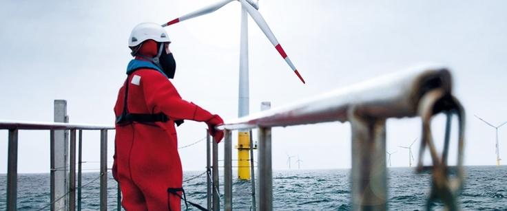 Erneuerbare Energien, wie bei Windkrafträdern, müssen unbedingt verstärkt eingesetzt werden!