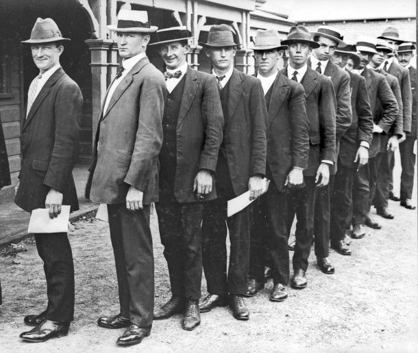 Enlisting at Victoria Barracks, Sydney. By the end of 1914, some 50,000 Australians had joined the fight.