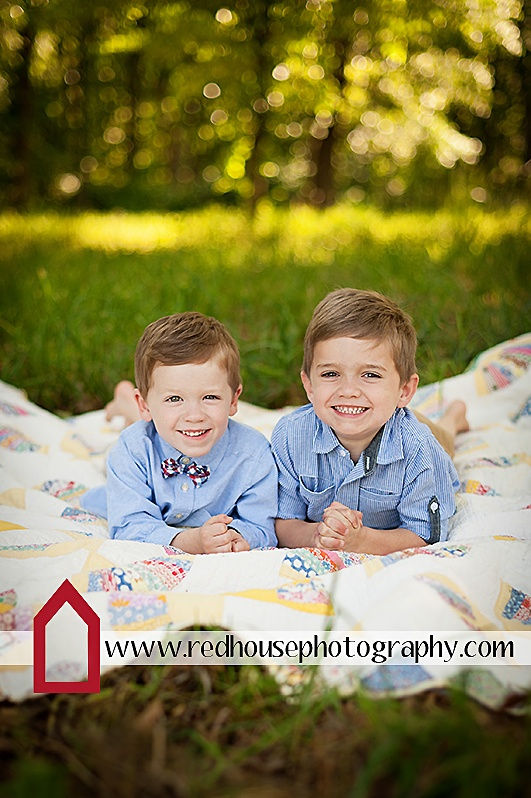 Copyright Jonna Nixon/Red House Photography #brothers #child #photography