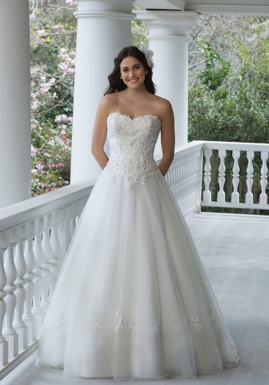 Wedding Dresses:   Illustration   Description   Cinderella Tulle Ball Gown   Sincerity Bridal 3953   trib.al/RL4bDU3    -Read More –   - #WeddingDresses https://adlmag.net/2017/12/30/wedding-dresses-cinderella-tulle-ball-gown-sincerity-bridal-3953-trib-al-rl4bdu3/