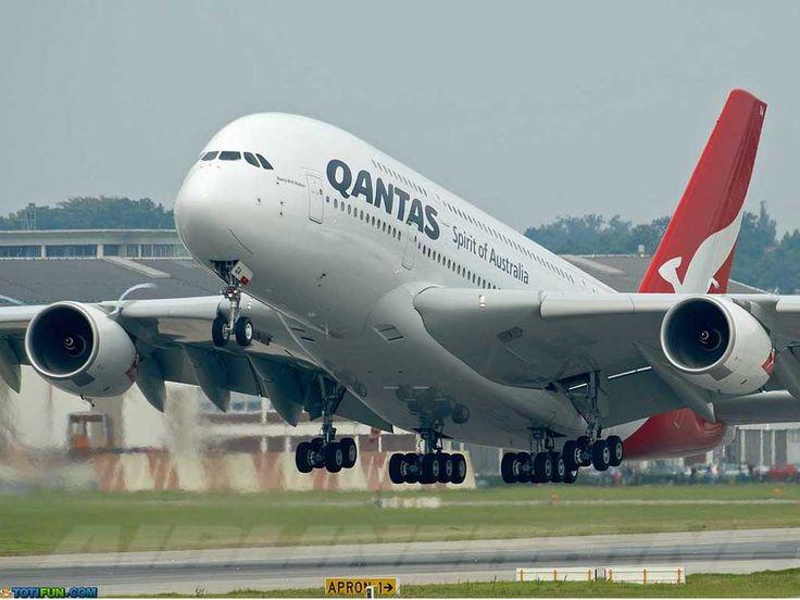 1 Qantas A380 Airplane totifun.com