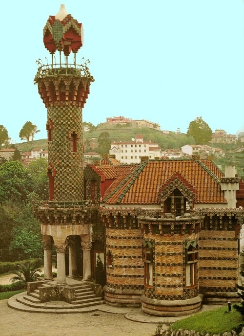 Gaudi. el capricho - Comillas - Cantabria