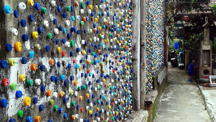 Wall with A Bottle Cap by Fadjar Ramadhan on 500px