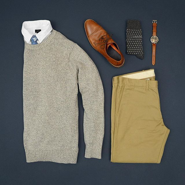 Sunday's best in some sweater and tie action.  #sunday #mycreativelook ––––––––––––––––––––––– Shirt & Pants: @jcrew Sweater: St. John's Bay Shoes: @colehaan Tie: @clive.apparel Watch: @fossil Socks: @calvinklein ––––––––––––––––––––––– #streetstyle #getd