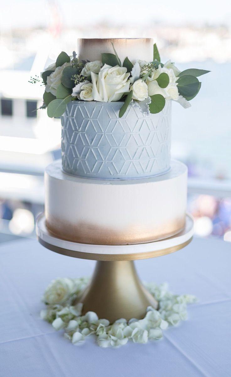Geometrisches Design auf Buttercremekuchen – Wed…