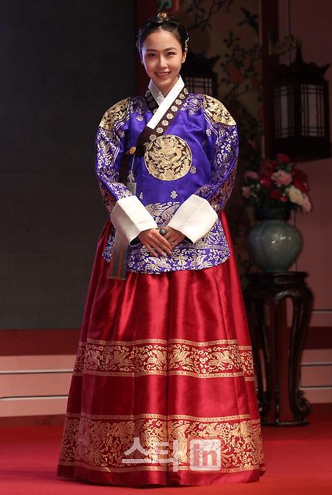 korean actress hong soohyun in hanbok #hanbok