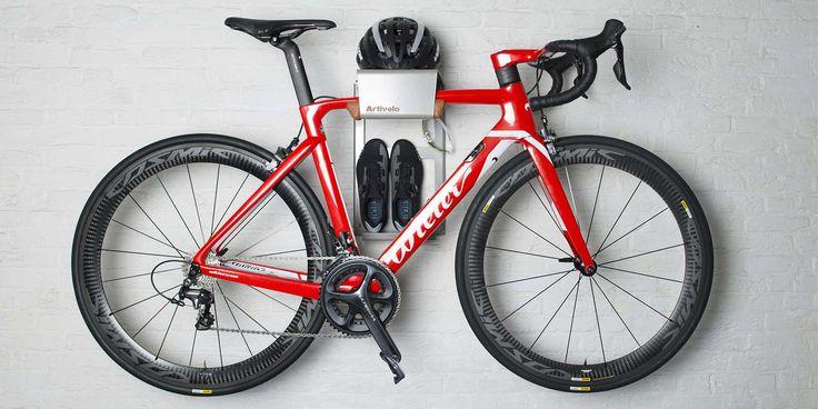 Fiets Ophangsysteem BikeDock Urban Grey Alu. Met dit Fiets Ophangsysteem kun je jouw fiets en fiets spullen ophangen aan de muur. Artivelo BikeDock Urban
