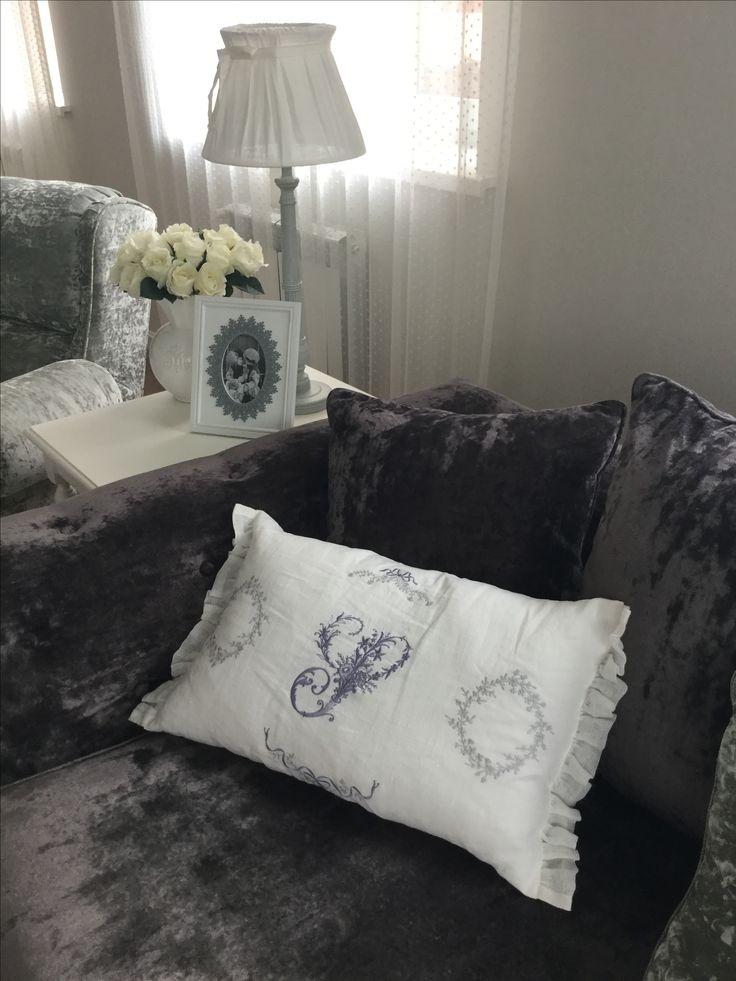 machine embroidery, decorative pillows