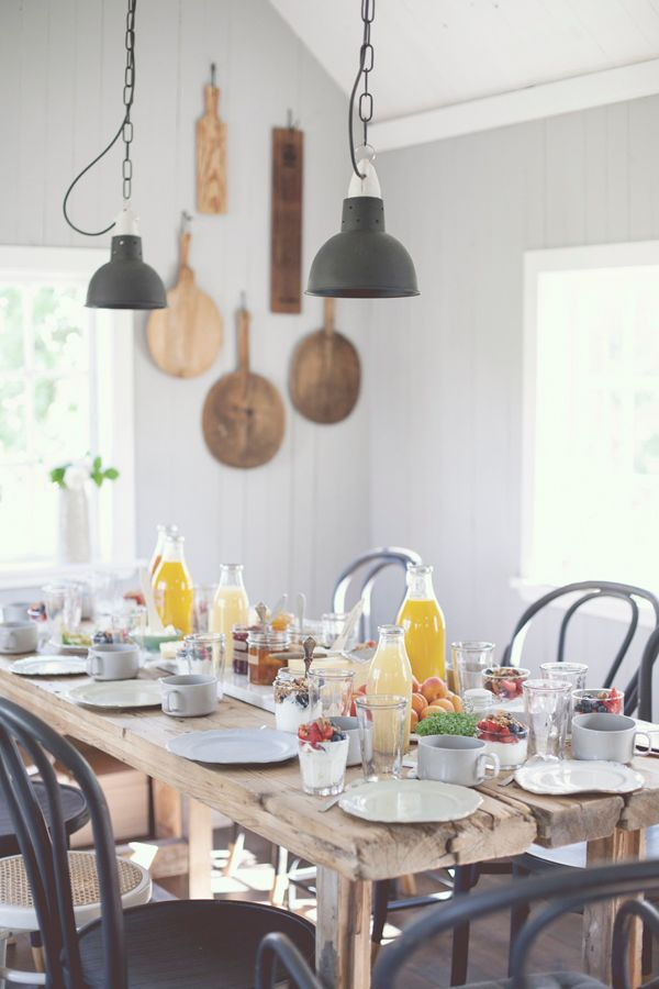 A COZY SCANDINAVIAN COUNTRY KITCHEN - style-files.com