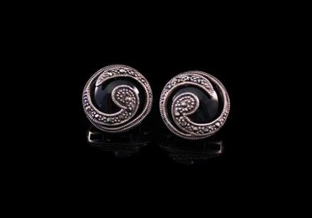 Eye of the Storm- Vintage Art Deco onyx swirl earrings