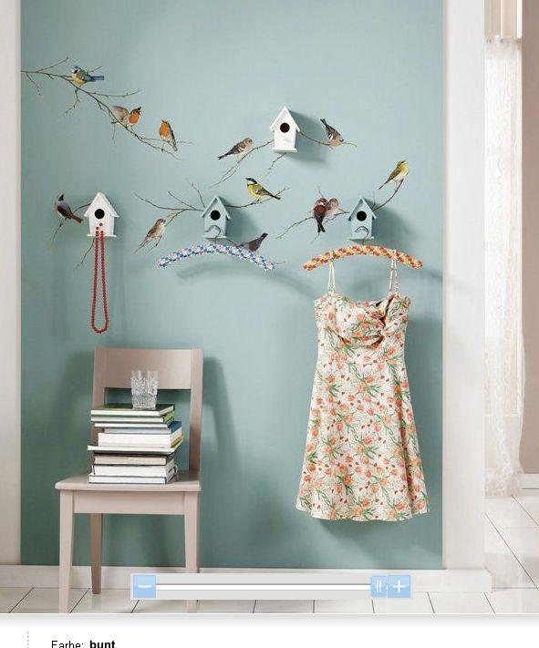 Garderobe bird houses