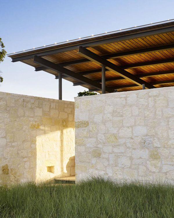 The Innovative and beautiful Lake Flato Pool House in Texas : Ergonomic Design…